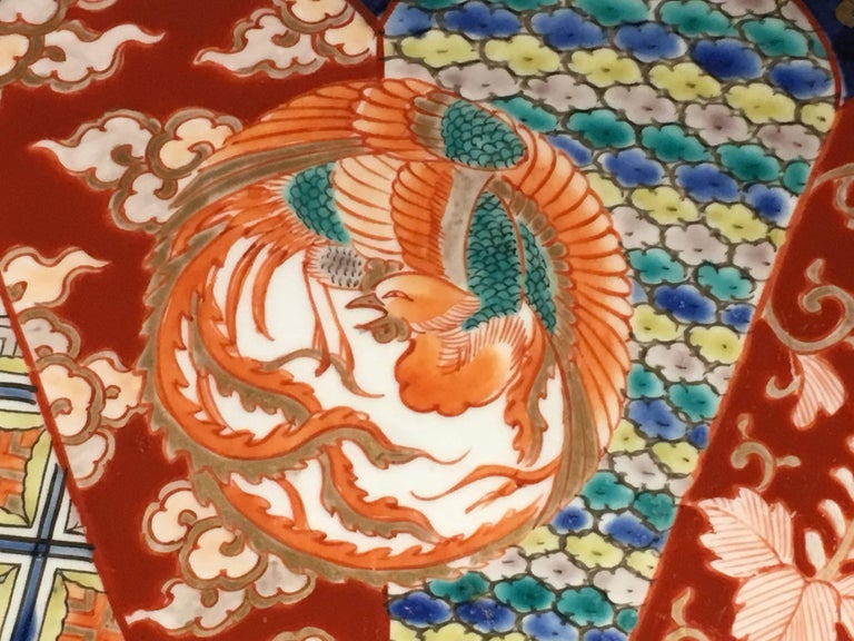 Japanese Meiji Period Imari Porcelain Charger For Sale 2