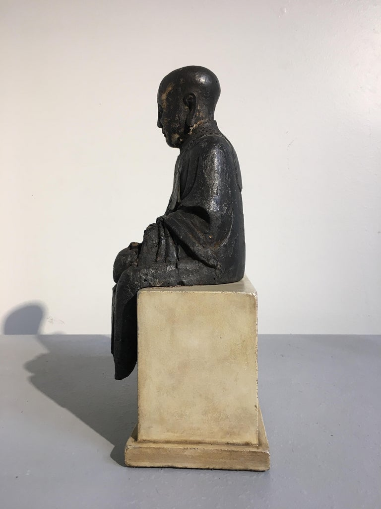 Chinese Ming Dynasty Carved Wood Figure of a Luohan or Arhat, 16th-17th Century In Fair Condition For Sale In Austin, TX
