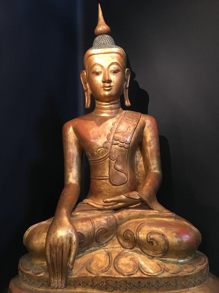 Life-Sized Shan Burmese Gilt Lacquer Papier Mâché Buddha, circa 1900 For Sale 2