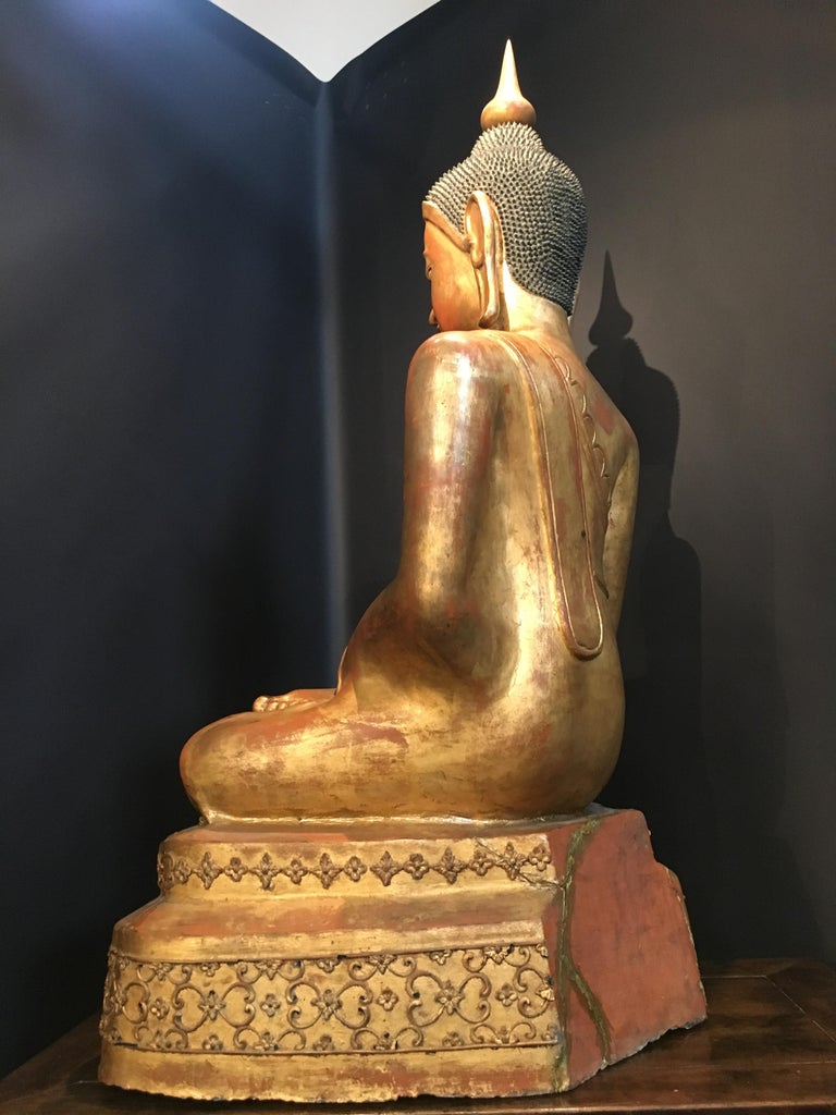Life-Sized Shan Burmese Gilt Lacquer Papier Mâché Buddha, circa 1900 For Sale 1