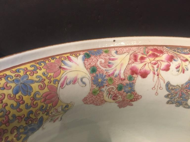 Chinese Export Pair of Chinese Famille Rose Cachepots For Sale
