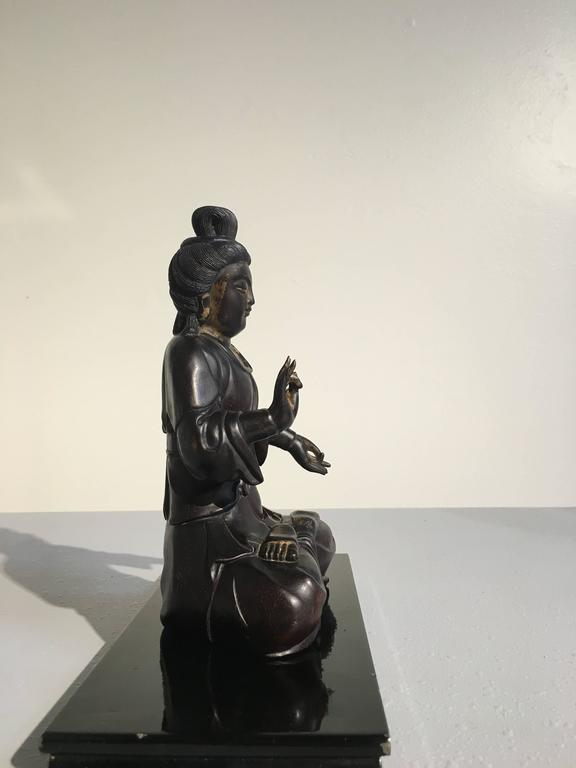 Hand-Carved Chinese Carved Zitan Figure of a Bodhisattva, Qing Dynasty For Sale