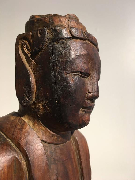 Chinese Ming Dynasty Carved Wooden Bodhisattva For Sale 3