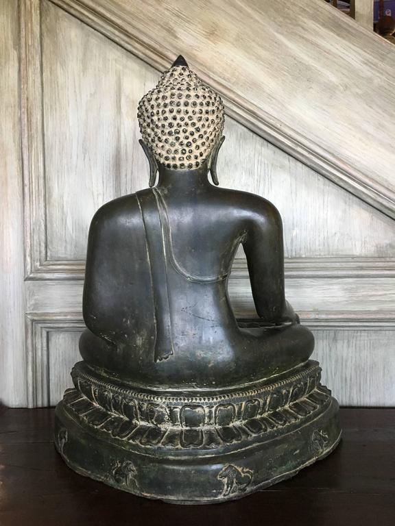 Large Burmese Bronze Medicine Buddha, Pagan Style, Late 19th Century In Good Condition For Sale In Austin, TX