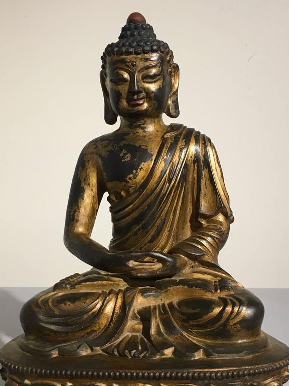 Chinese Gilt Bronze Amitabha Buddha, 20th Century For Sale 1