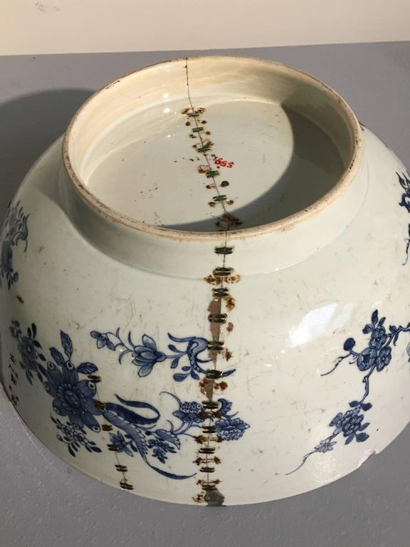 Large Chinese Export Punchbowl with Staple Repairs, 18th Century For Sale 2