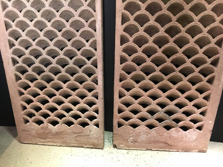 Pair of Antique Indian Carved Sandstone Jali Window Screens, Madhya Pradesh In Good Condition For Sale In Austin, TX