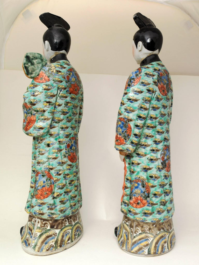 20th Century Pair of Chinese Porcelain Nodding Sculpture of Court Ladies For Sale
