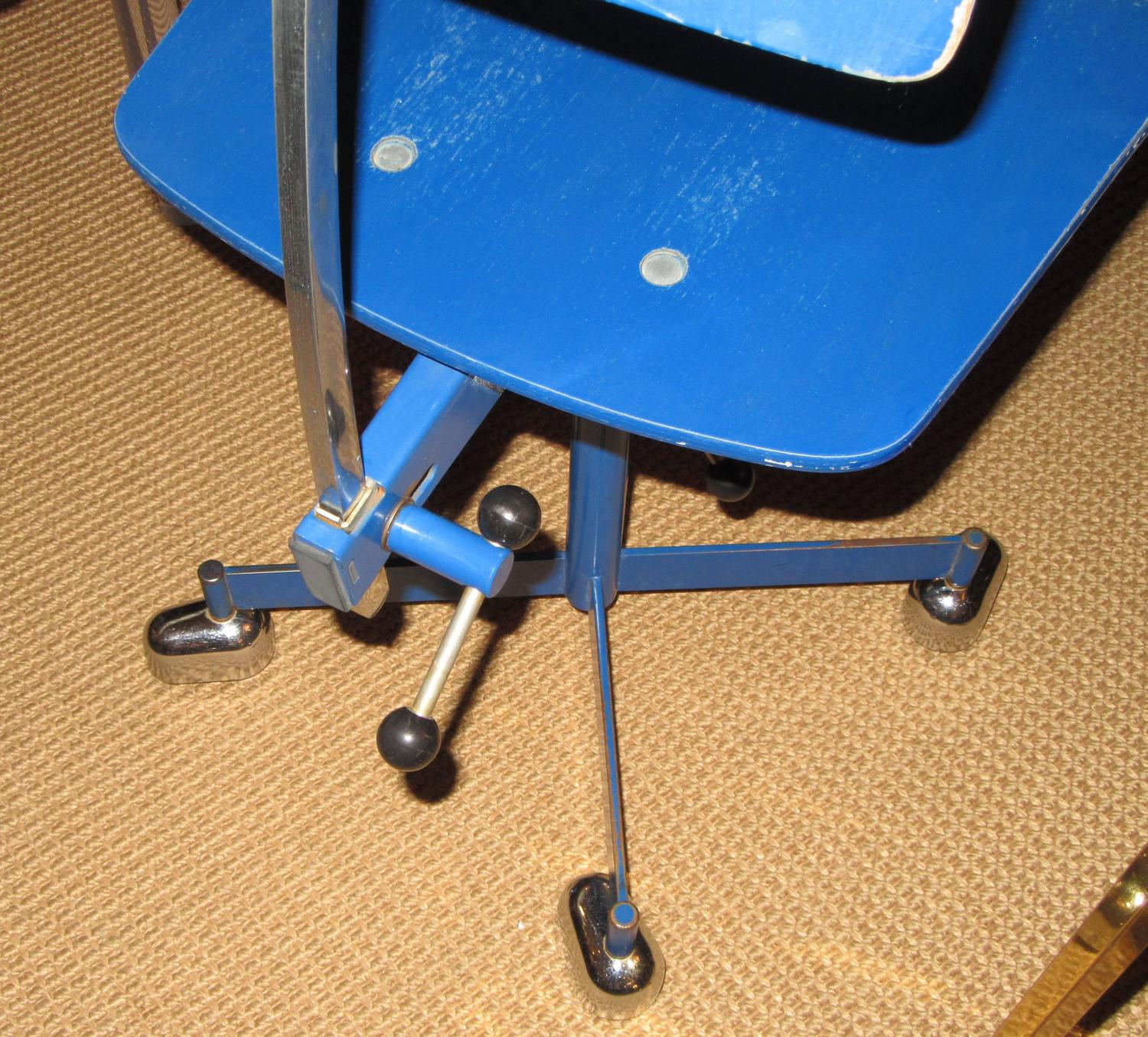 Rare And Early Child Size Quot Kevi Quot Task Chair By J 248 Rgen