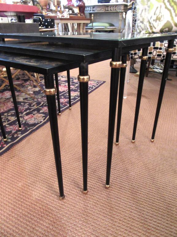 Set of Mid-Century Italian Glass Top Nesting Tables In Excellent Condition For Sale In Mt Kisco, NY