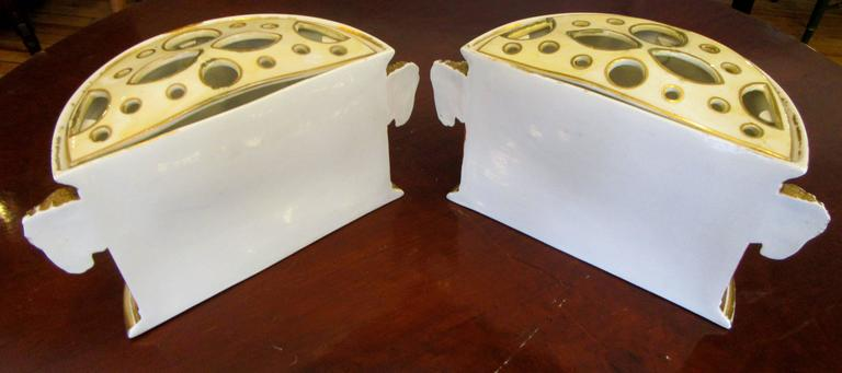 Pair of Early 19th Century Derby Porcelain Bough Pots For Sale 1