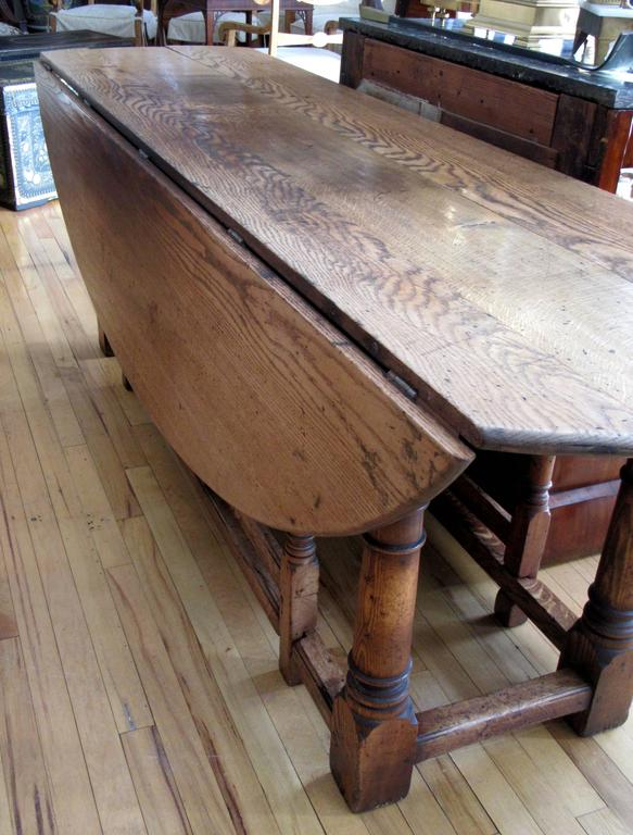 Country English Oak Gateleg Dining or Hunt Table For Sale