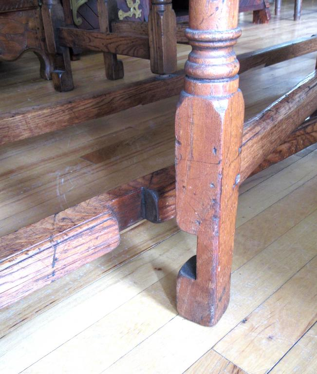 19th Century English Oak Gateleg Dining or Hunt Table For Sale