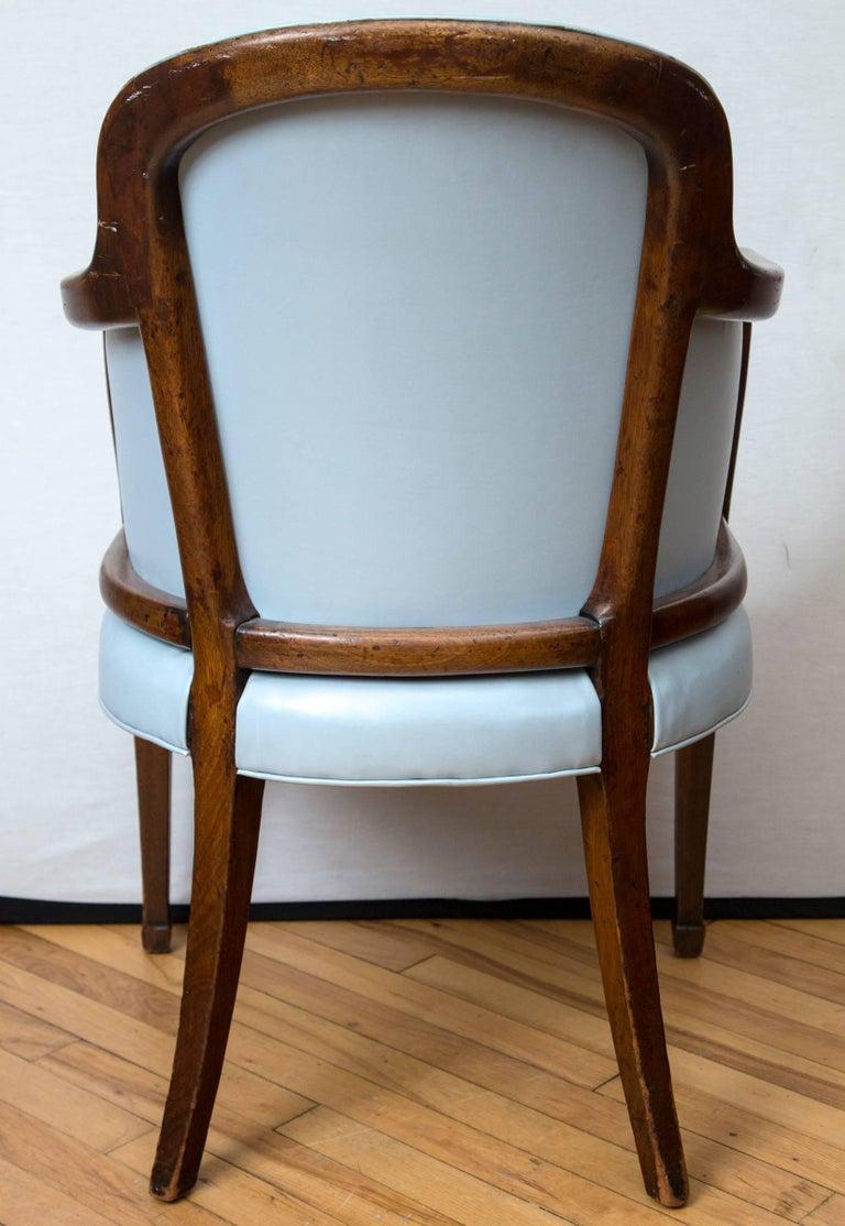 English 18th Century Hepplewhite Tub Chair For Sale