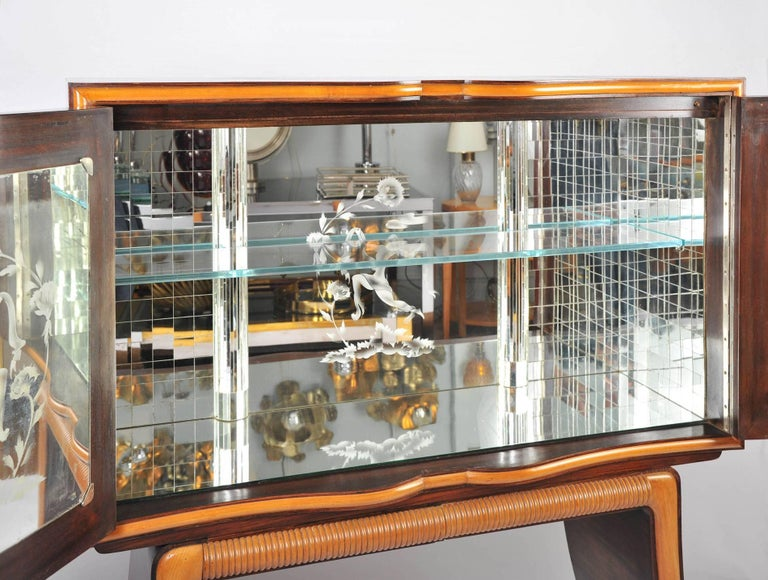 Mid-Century Modern 1950s Mahogany Drinks Cabinet with Mirrors by Paolo Buffa For Sale