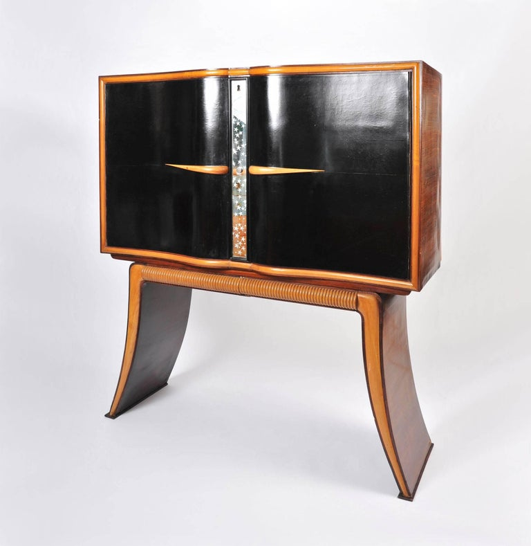 Italian 1950s Mahogany Drinks Cabinet with Mirrors by Atelier Borsani For Sale