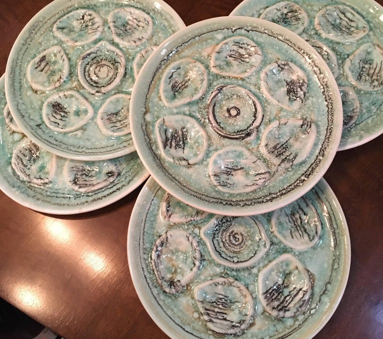 Vintage French Oyster Plates In Good Condition For Sale In Seattle, WA