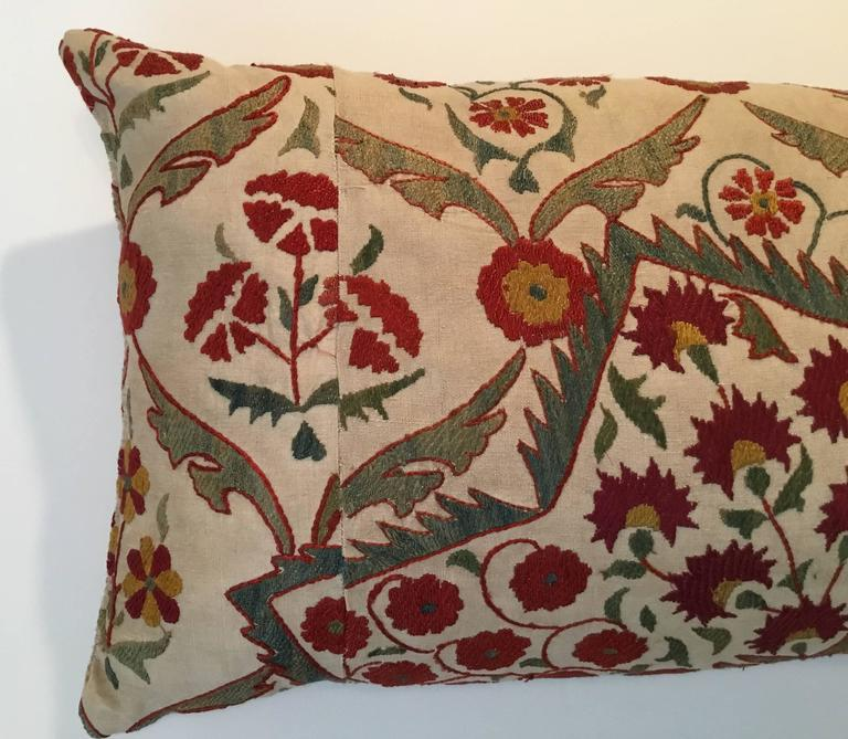 Large Embroidery Suzani Pillow In Excellent Condition For Sale In Delray Beach, FL