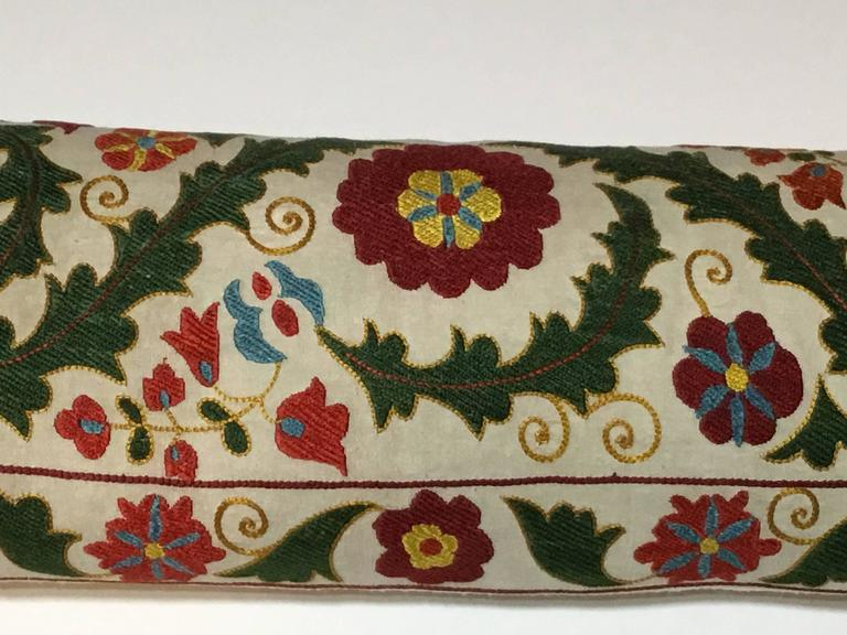Uzbek Hand Embroidery Suzani Pillow For Sale