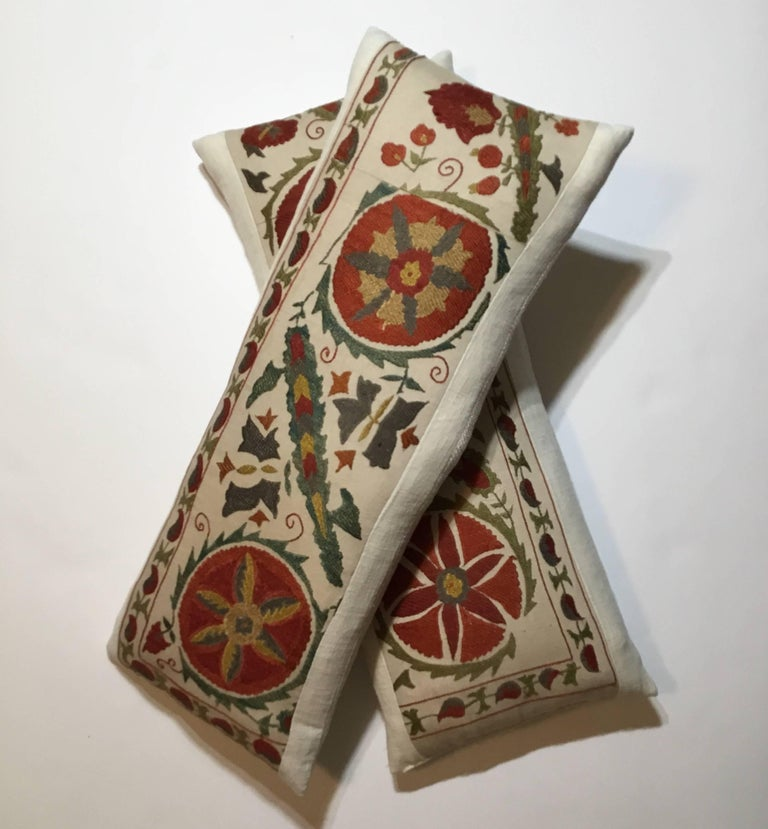 Pair of Hand Embroidery Suzani Pillows For Sale 3