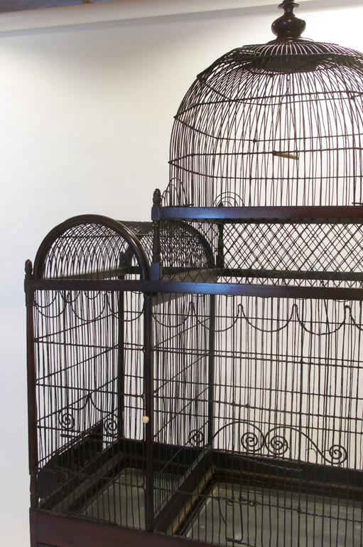 Fine and Rare English George III Birdcage on Stand, circa 1780 In Excellent Condition For Sale In New York, NY