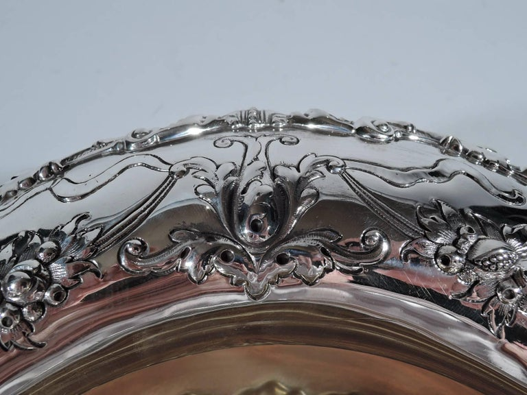 Antique Gorham Edwardian Sterling Silver Centerpiece Bowl In Excellent Condition For Sale In New York, NY