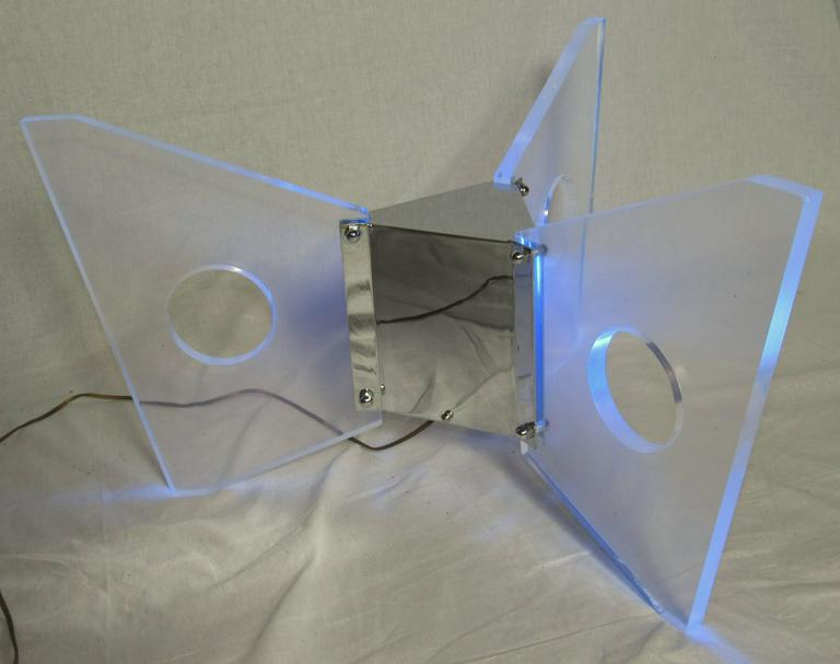 Illuminated Lucite Coffee Table, circa 1970 In Good Condition For Sale In Camden, ME