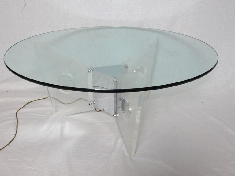 Illuminated Lucite Coffee Table, circa 1970 For Sale 1