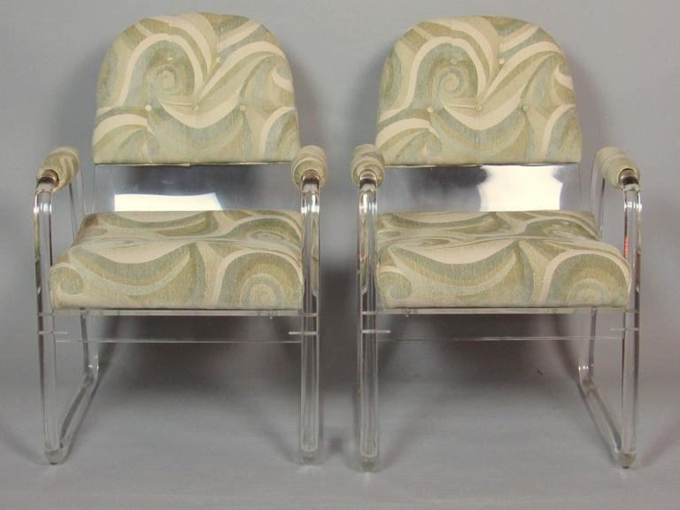 American Pair of Lucite Lounge Chairs Hill Industries , circa 1970 For Sale