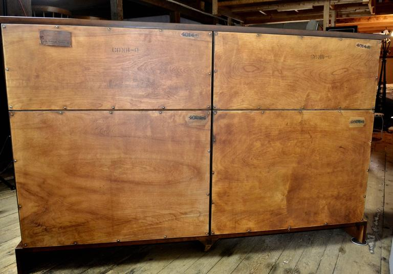 12 Drawer Mahogany Dresser C. G. Kimerly Widdicomb, circa 1946 In Good Condition For Sale In Camden, ME