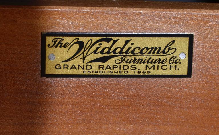 12 Drawer Mahogany Dresser C. G. Kimerly Widdicomb, circa 1946 For Sale 3