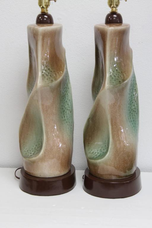 Pair of Ceramic Brown and Green Lamps In Excellent Condition For Sale In Palm Springs, CA