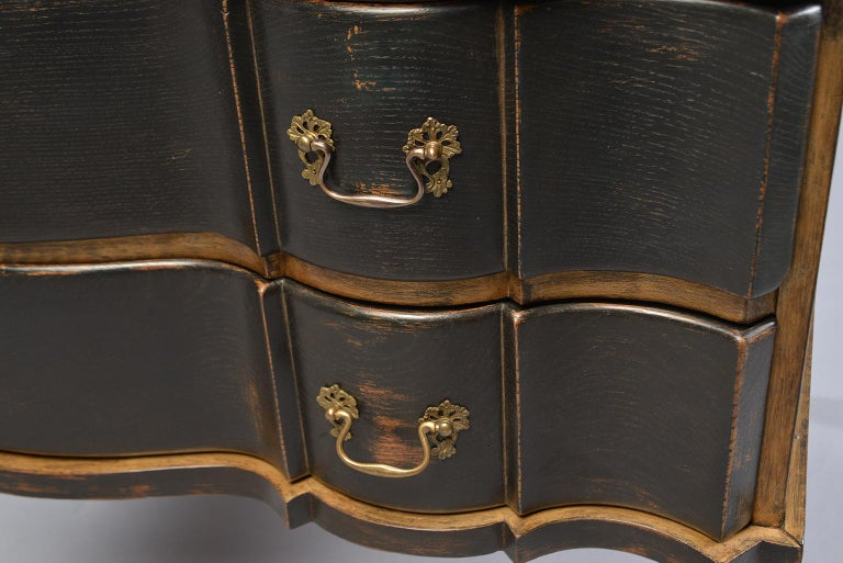 Pair of 19th Century Danish Painted and Gilded Oak Serpentine Chests For Sale 8