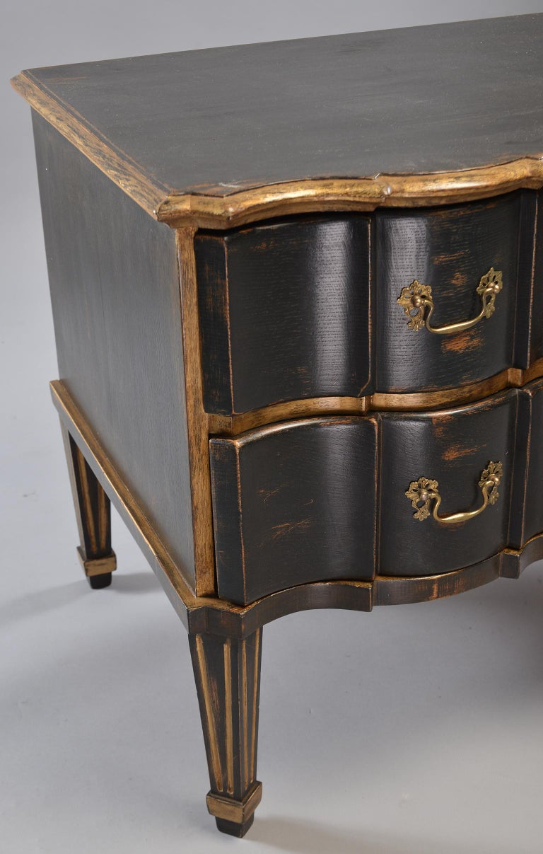 Pair of 19th Century Danish Painted and Gilded Oak Serpentine Chests For Sale 12