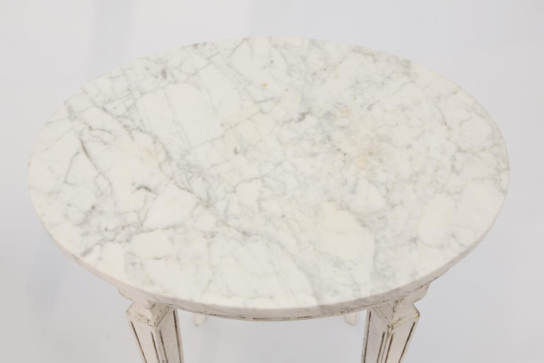Painted Pair of Marble-Top Italian Accent Tables with Greek Key Apron For Sale