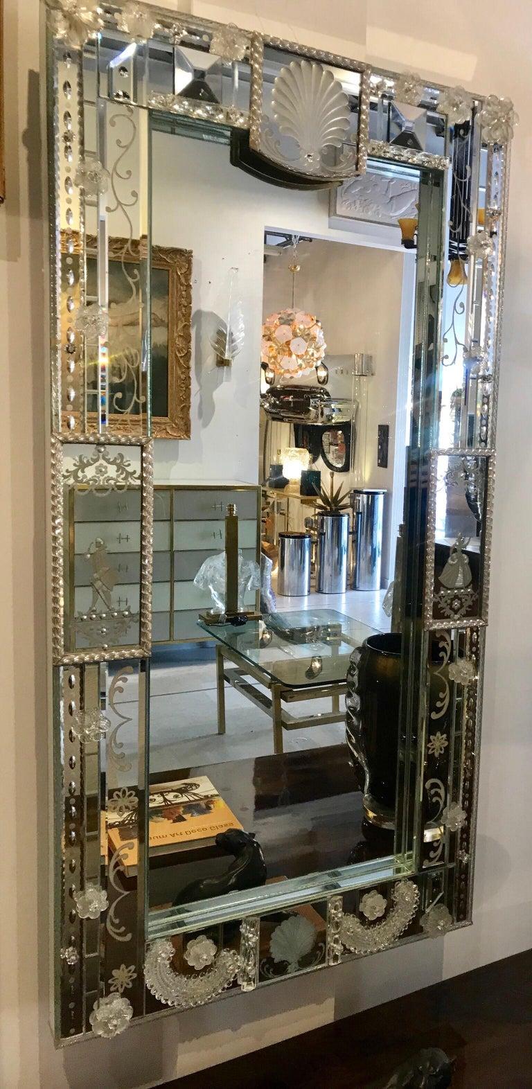 Stunning  Mid-Century Venetian Mirror In Good Condition For Sale In Miami, FL