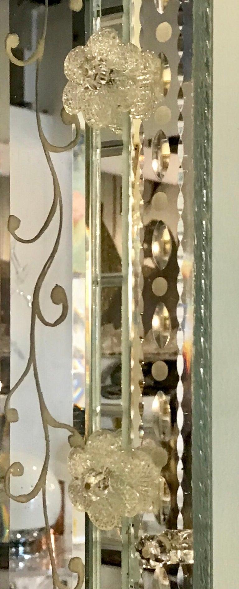 Stunning  Mid-Century Venetian Mirror For Sale 3