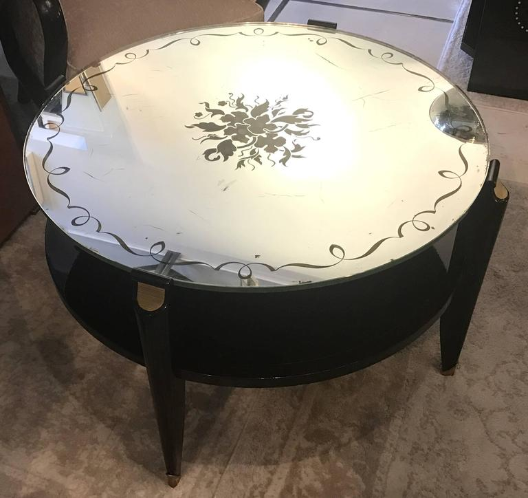 French Art Deco Coffee Table in Exotic Wood with Églomisé Mirror Top For Sale 1