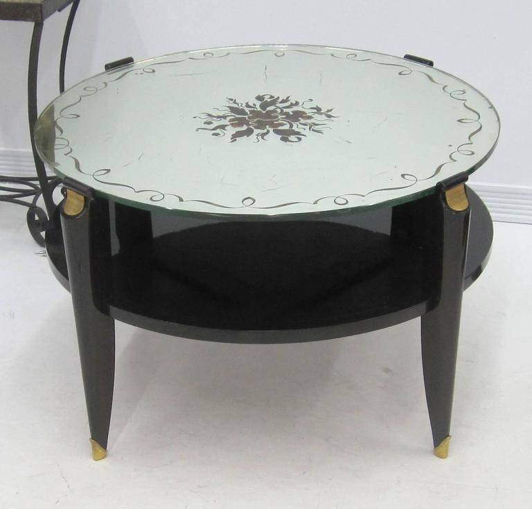 French Art Deco Coffee Table in Exotic Wood with Églomisé Mirror Top For Sale 3