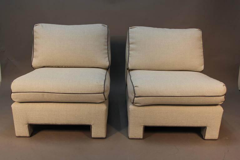 Merveilleux Amazing Newly Upholstered Pair Of Billy Baldwin Designed Slipper Chairs.  Grey Linen With Dark Grey