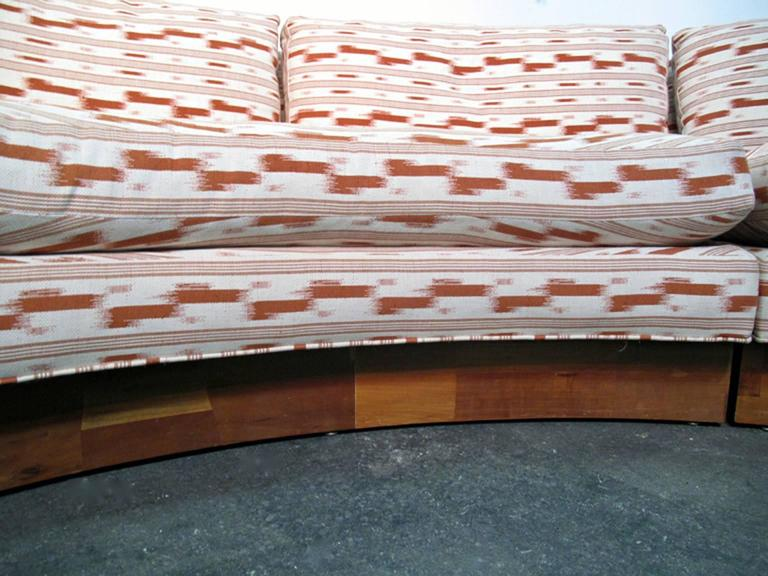 Circular Curved Mid-Century Modern Section Sofa by Erwin Lambeth for John Stuart For Sale 2