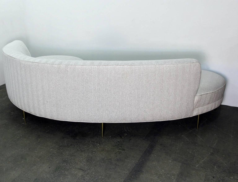 Serpentine or Cloud Sofa in the Manner of Vladimir Kagan For Sale 1