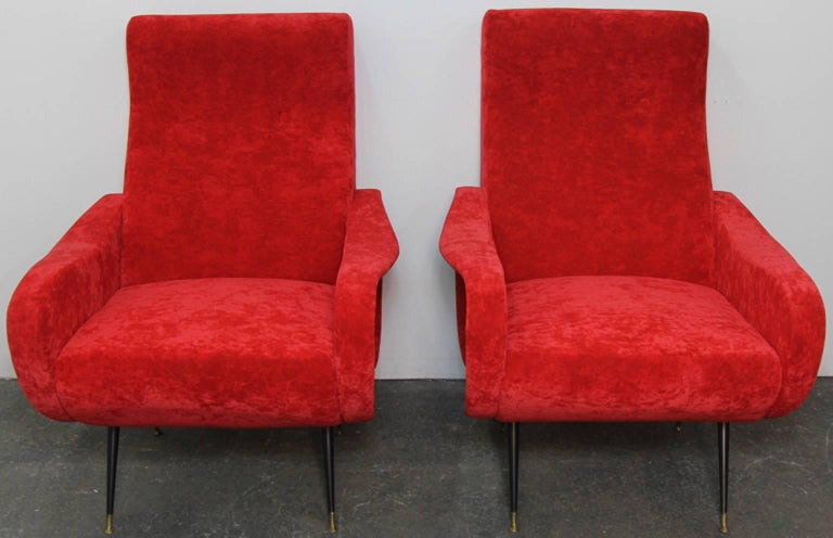 Mid-Century Modern Pair of Italian Style Upholstered Club Chairs in Red Velvet For Sale