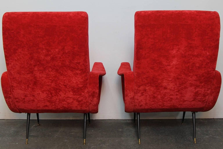 Contemporary Pair of Italian Style Upholstered Club Chairs in Red Velvet For Sale