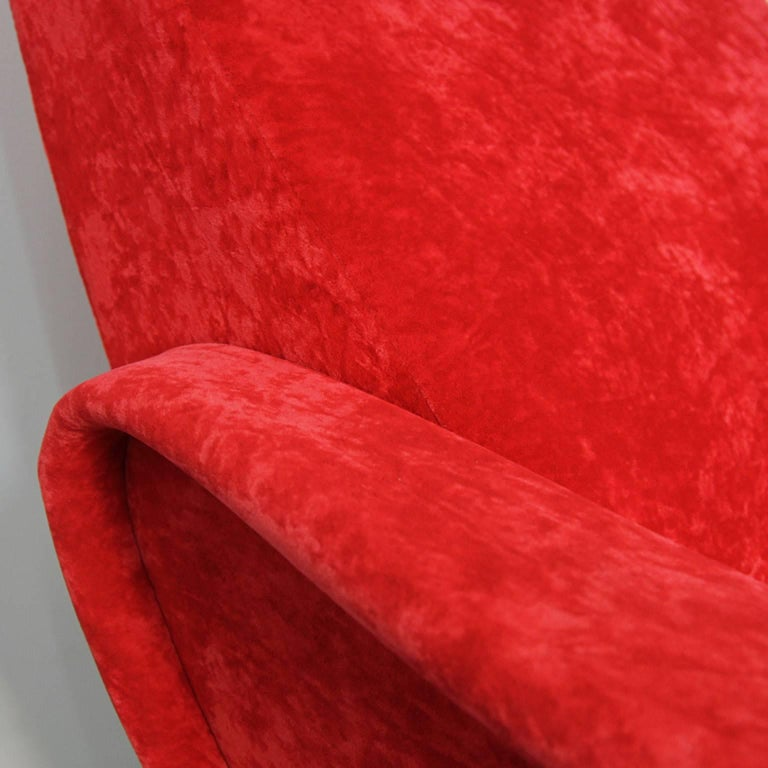 Pair of Italian Style Upholstered Club Chairs in Red Velvet For Sale 2