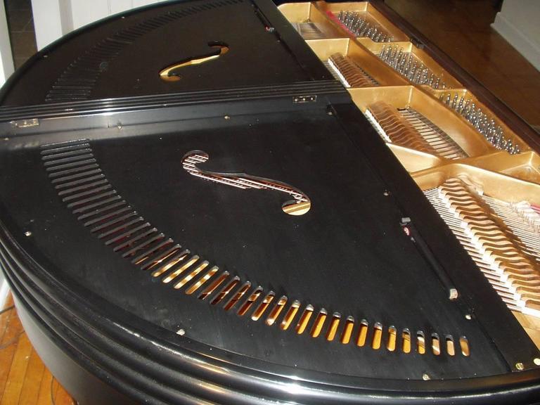"Wurlitzer ""Butterfly"" Baby Grand Piano 4"