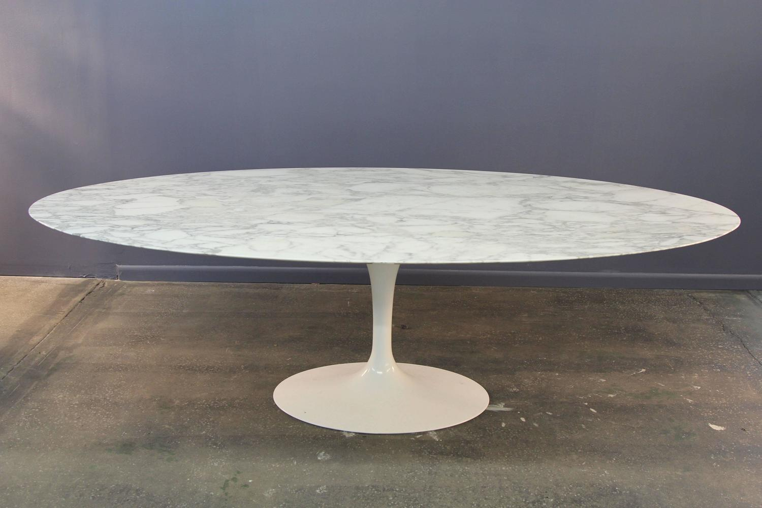 eero saarinen marble top oval dining table for knoll at 1stdibs. Black Bedroom Furniture Sets. Home Design Ideas