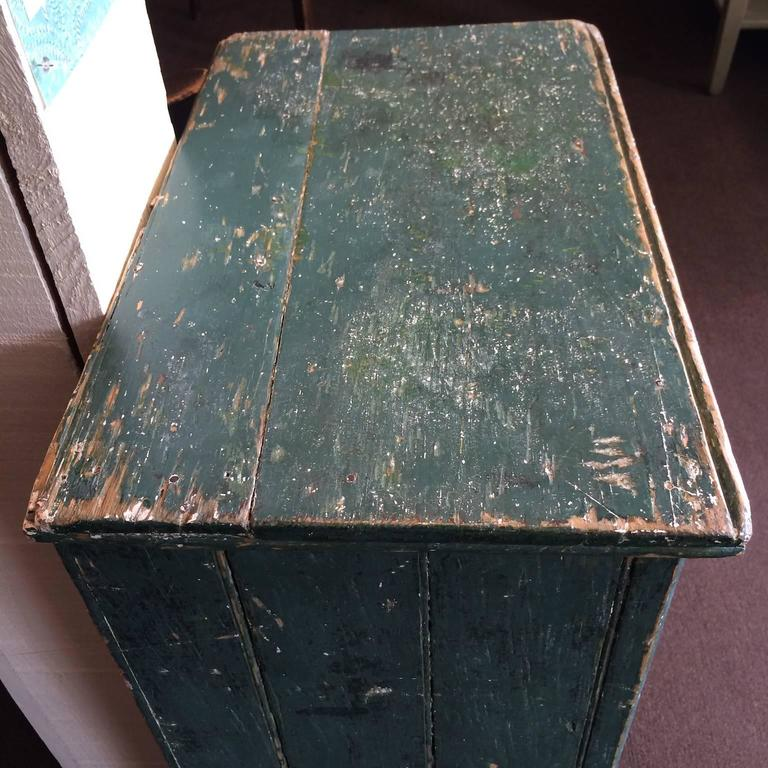 Green Single Door Cupboard In Good Condition For Sale In Nantucket, MA