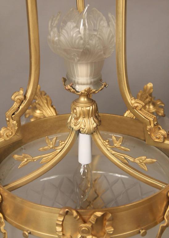 Belle Époque Lovely Early 20th Century Gilt Bronze Eight-Light Chandelier For Sale