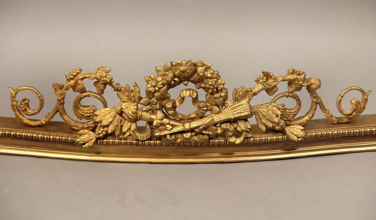 Belle Époque Very Fine Late 19th Century Gilt Bronze Fireplace Fender For Sale
